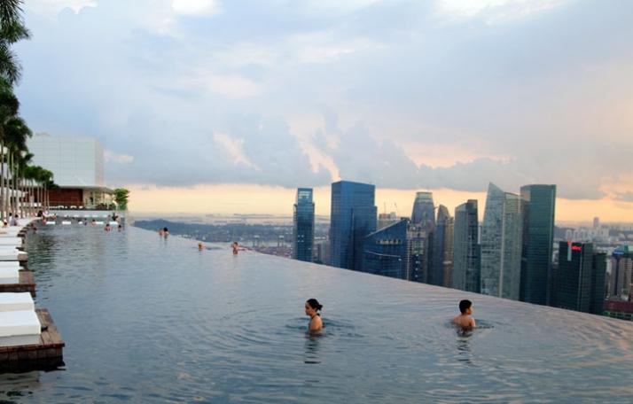 Marina-Bay-Sands-Architecture-Moshe-Safdie-Singapore-TheSuiteWorld