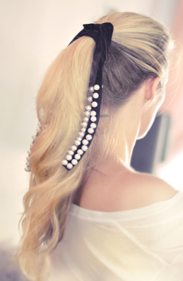 hair-soft loose ponytail with pearl ribbon